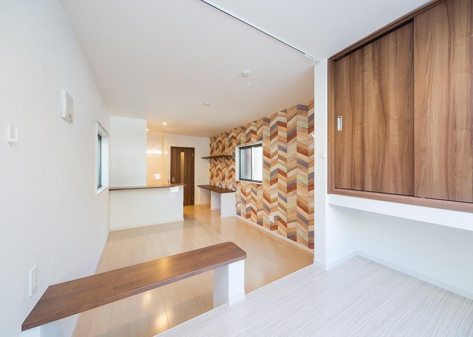 投資アパート RadIAnce白壁10