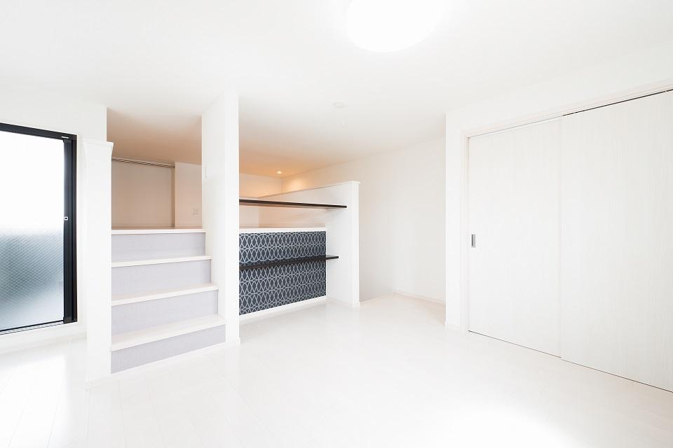 投資アパート RadIAnce新松戸25